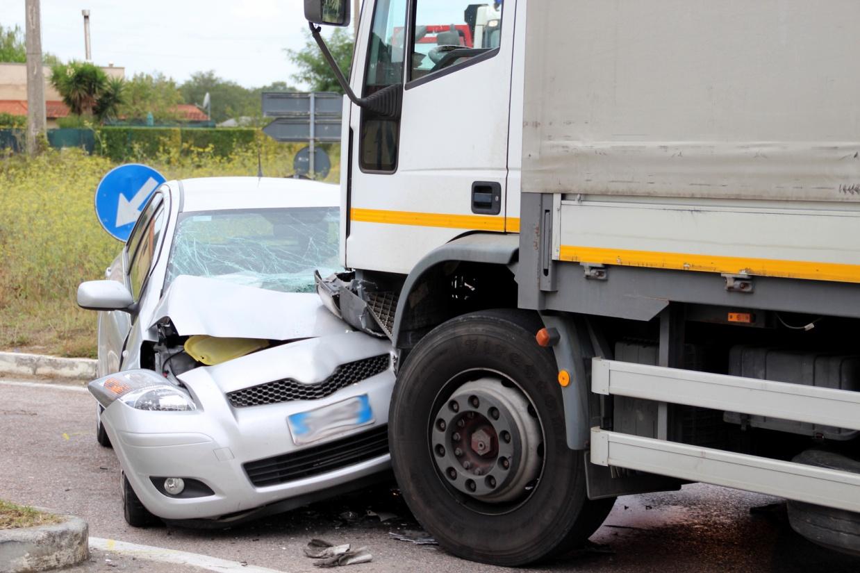 truck-accident-lawyer-2.jpg